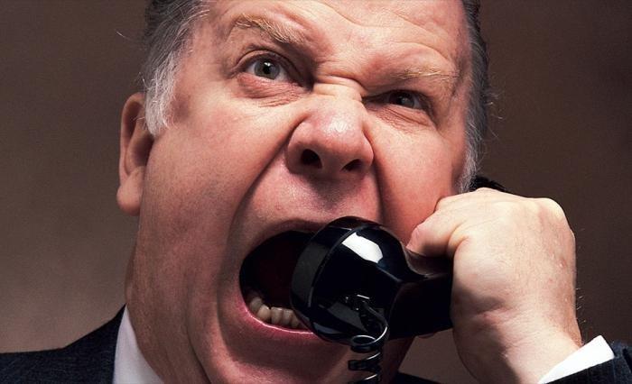 Звонят коллекторы по чужому кредиту – куда жаловаться