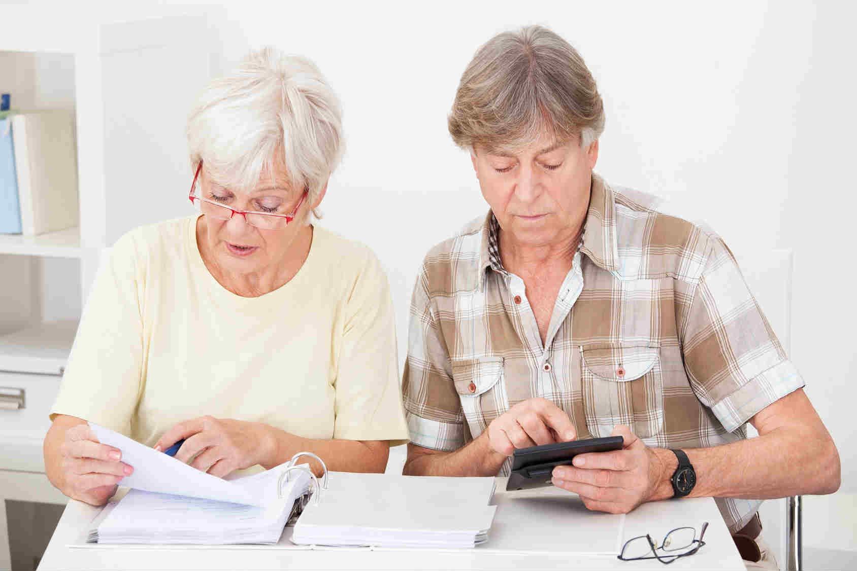 взять кредит пенсионерам в совкомбанке